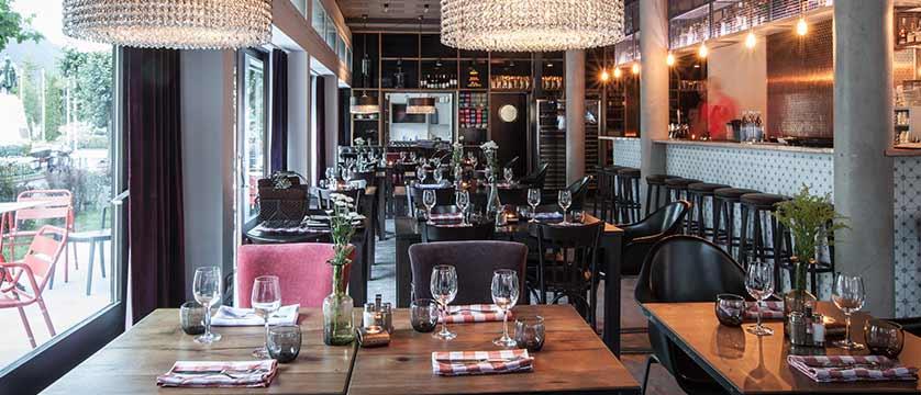 Hotel Pointe Isabelle, Chamonix, France - Bar & restaurant.jpg